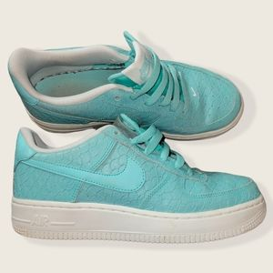 [Nike] Air Force 1s LV8 (GS) Hyper Turquoise- (Size 5Y boys)/(Women's 7)